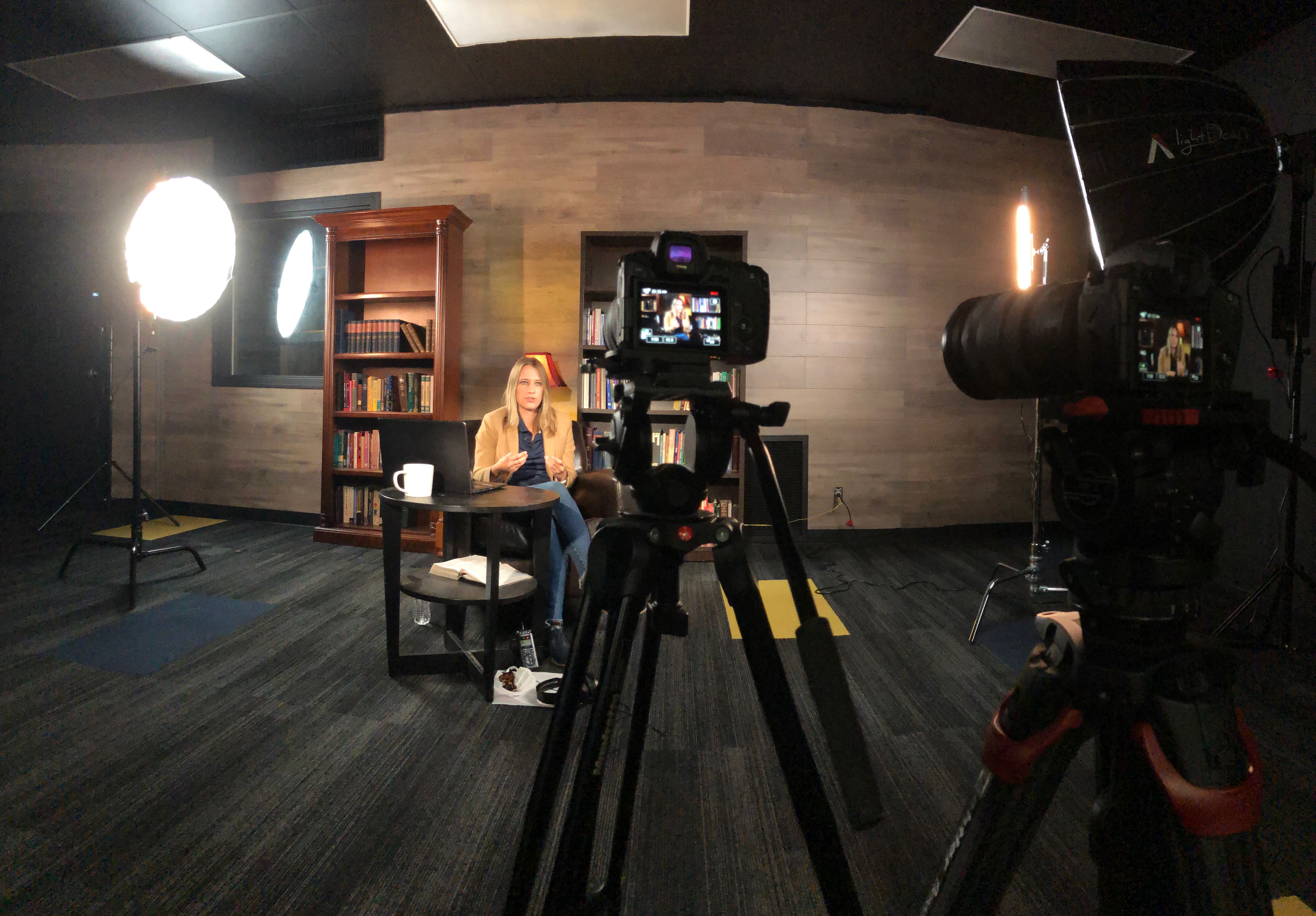 Professer Lucia Sanders filming certificate course in studio for LPU